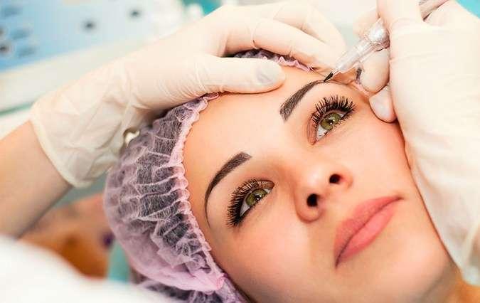 Powder eyebrow tattoo vs microblading